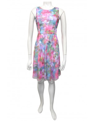 Miss Me - Ainsley dress with fitted body and pleated skirt - Front